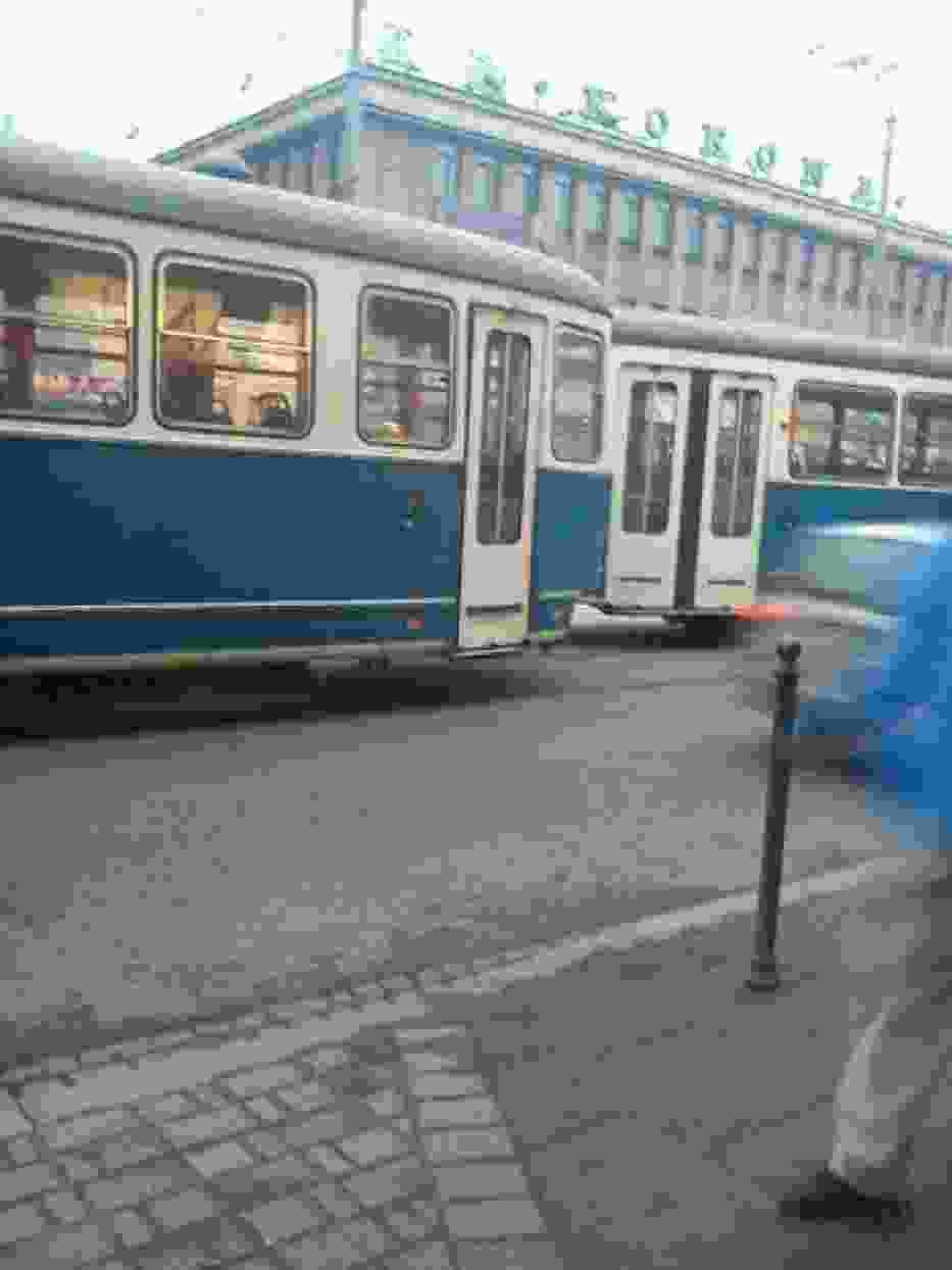 Wykolejone wagony tramwaju linii numer 10
