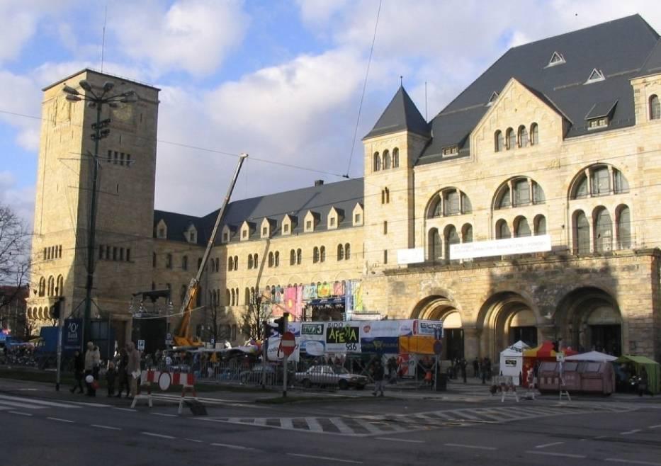 W Poznaniu centrum WOŚP mieściło się przy Zamku Poznańskim fot