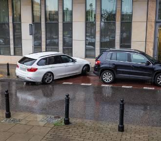 Mistrzowie Parkowania cz. 28. Jak to nie można, jak można?! [ZDJĘCIA]