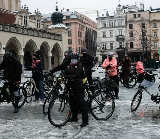 Rowerowy strajk kobiet w niedzielę przejedzie ulicami Krakowa