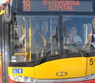 """Nowe rozkłady jazdy autobusów w piątek w """"Pomorskiej"""""""