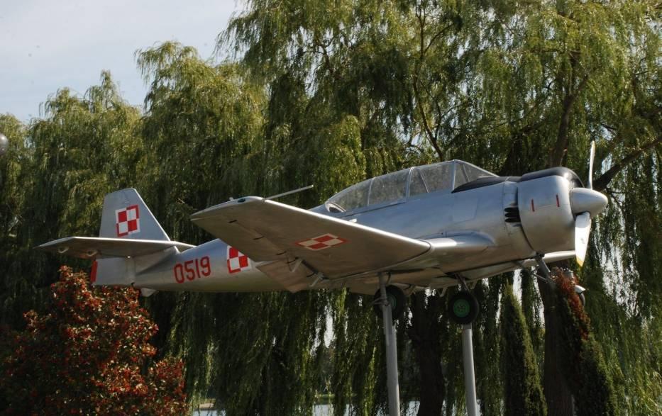 Top 5 najciekawszych faktów o zabytkowym samolocie TS- Bies 8. Tę niezwykłą maszynę można zobaczyć w Pińczowie