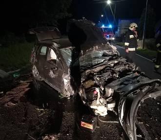 Szok! Samochód całkowicie skasowany. Kierowcy jednak w środku nie było! [ZDJĘCIA]