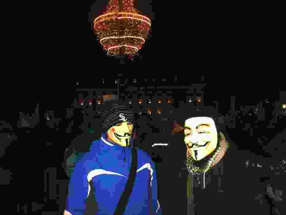 Kilka tysięcy ludzi na Krakowskim Przedmieściu dało wyraz swojemu sprzeciwowi przeciwko podpisaniu ACTA przez Polskę