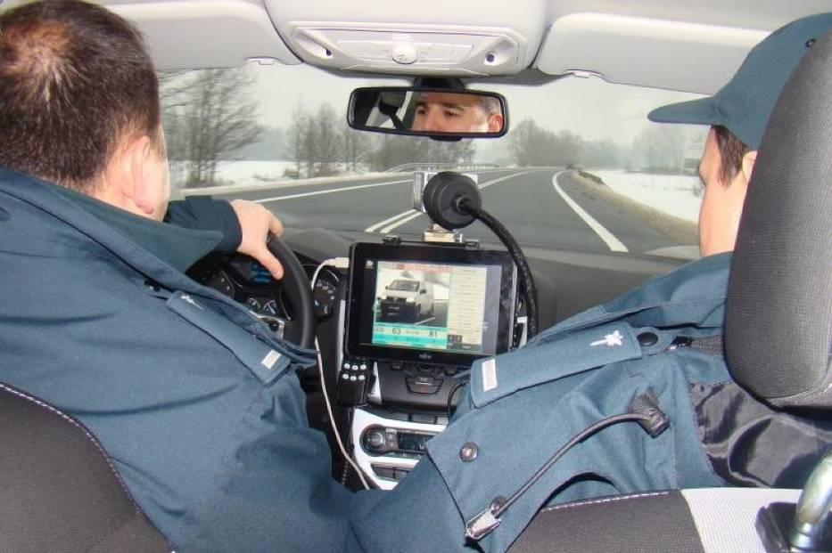 Po polskich drogach jeździ wiele nieoznakowanych radiowozów