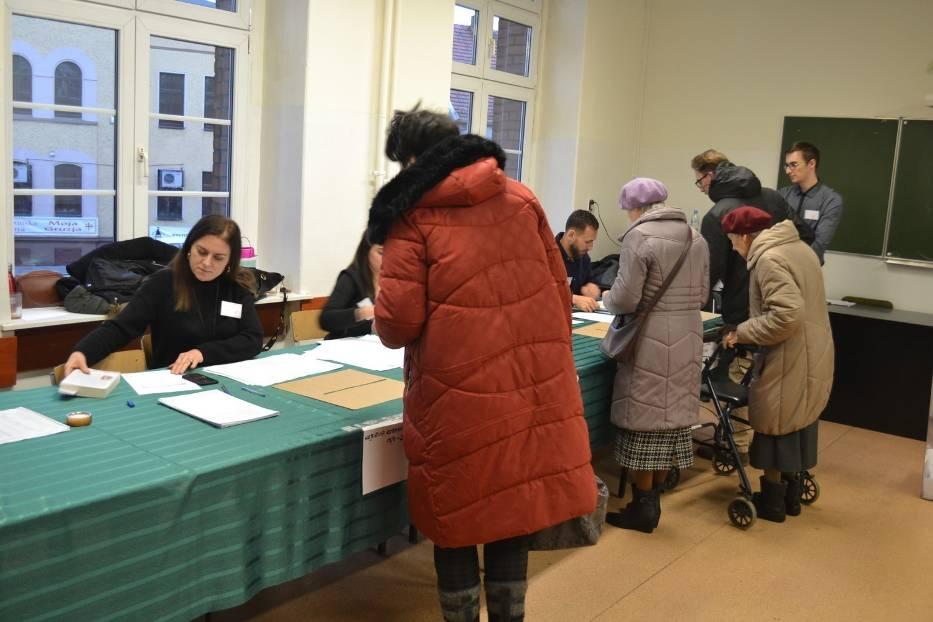 Gliwice wybierają prezydenta: Lokale wyborcze zostały zamknięte, co oznacza koniec głosowania