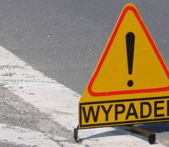 Groźny wypadek na skrzyżowaniu w Końskich. Dwa samochody rozbite