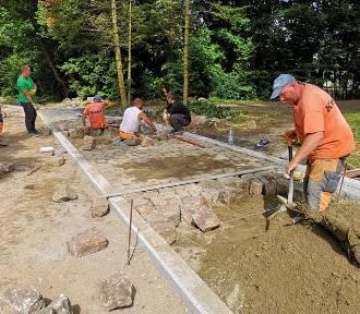 Remontują drogę w gminie Darłowo za ponad 1,6 mln zł. Co za tyle zrobią? ZDJĘCIA