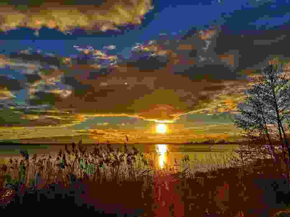 Zdjęcia z Wolsztyna. Czy widzieliście taki piękny zachód słońca nad Jeziorem Wolsztyńskim?