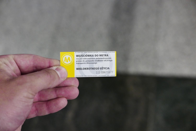400 tysięcy złotych wyrzucone w błoto. Marnujemy miliony bezpłatnych wejściówek do metra