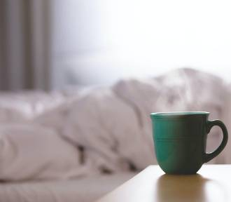 Te produkty ułatwiają zasypianie. TOP10 produktów na dobry sen