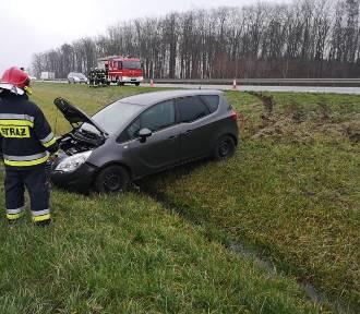 Niebezpieczny poranek na autostradzie A2 w gminie Kuślin [ZDJĘCIA]