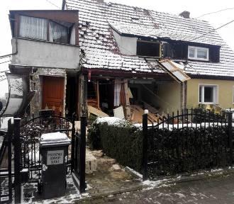 Wybuch gazu zniszczył dom. Ranny mężczyzna trafił do wrocławskiego szpitala