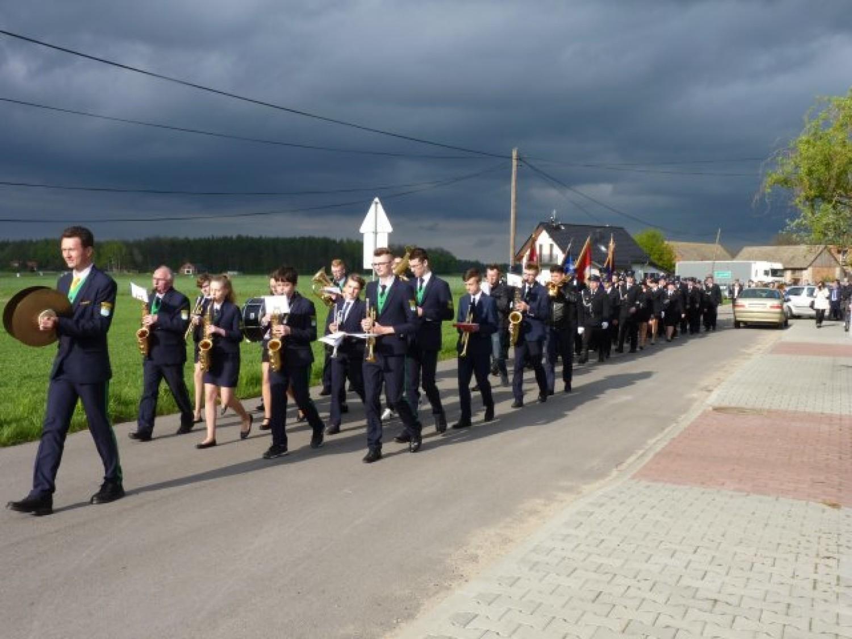 Poświęcenie nowego wozu i strażnicy OSP Ostrów - Lubockie