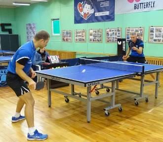 W Chełmnie grała II liga tenisa stołowego mężczyzn. Wygrali goście z Solca. Zdjęcia