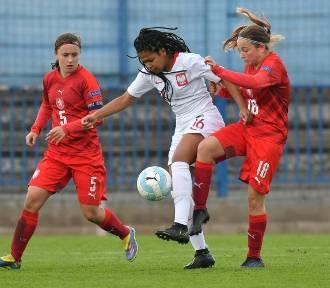 Piłkarską przygodę rozpoczynała w Błękitnych Łęczyce. Teraz zagrała w reprezentacji