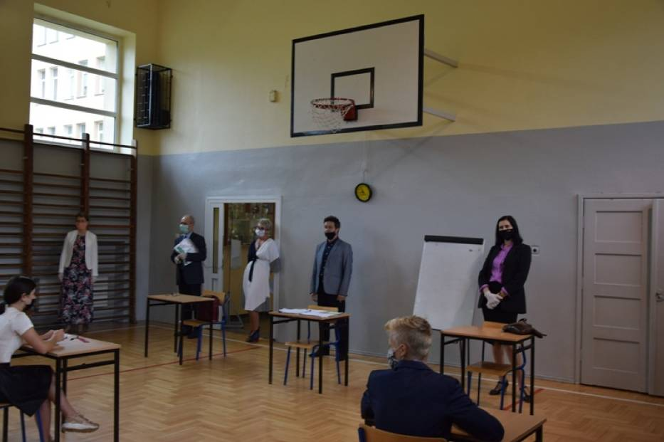 Ósmoklasiści zdawali dziś egzamin z matematyki