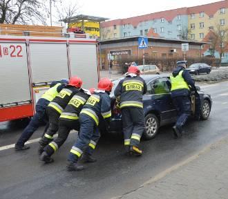 Zderzenie na skrzyżowaniu Wojska Polskiego i Armii Krajowej w Głogowie [ZDJĘCIA]