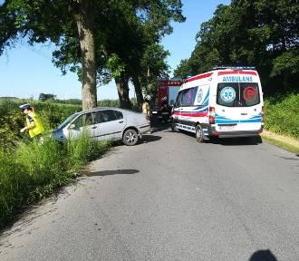 """Wypadek pod Grudziądzem. Jedna osoba ranna, kierowca pijany i bez """"prawka"""""""