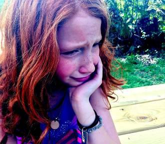 Błagam, tylko nie do szkoły… O dzieciach, które nie wytrzymują wyścigu szczurów