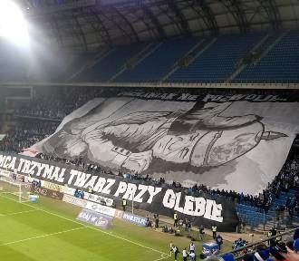 Kibice Lecha Poznań zaprezentowali efektowną oprawę na meczu z Legią. Zobacz zdjęcia!