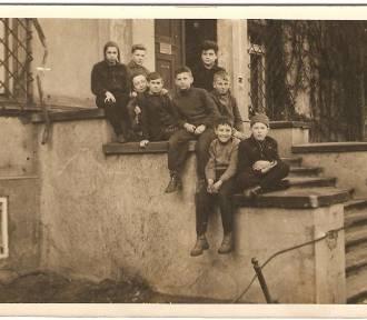 Galeria niezwykłych zdjęć z dzieciństwa nowosolan. Zobaczcie