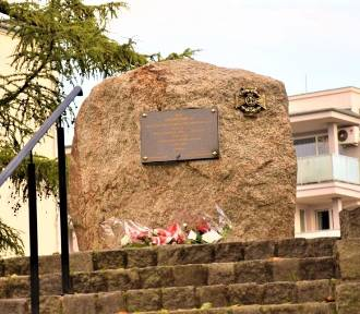 Radni dyskutowali o pomnikach. Chcieli prześwietlać głaz pamięci ZHP