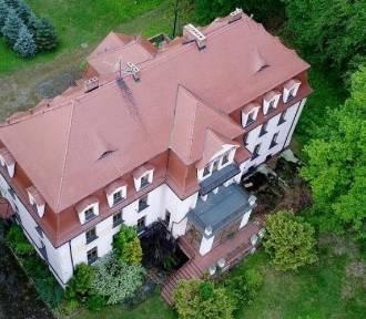 Gmina przejmie pałac w Ciasnej? A co z pałacem w Sierakowie Śląskim?