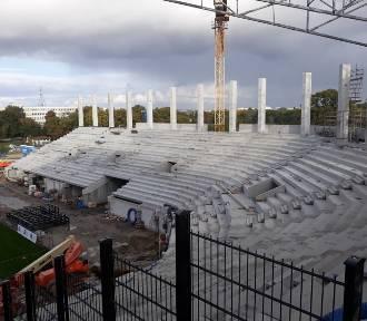 Stadion Pogoni: trybuna wschodnia prawie gotowa. Zobaczcie zdjęcia z budowy