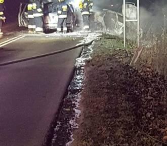 Czołowe zderzenie samochodów w Czapielsku. Wśród poszkodowanych dzieci