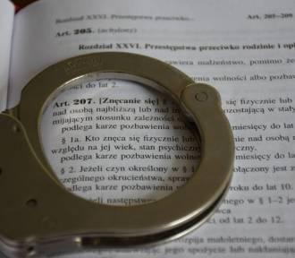 36-latek z gminy Laszki znęcał się nad rodziną. Teraz ma dozór policji