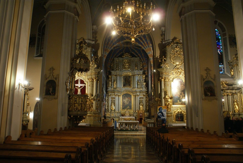 Kaliska katedra zaprasza na mszę o powstrzymanie koronawirusa
