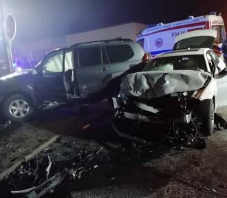 Wypadek w Godzieszach Wielkich. Trzy osoby trafiły do szpitala [FOTO]