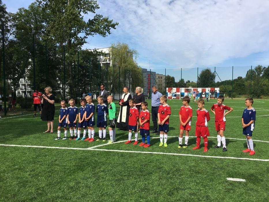 W Mikulczycach otwarto nowe boisko piłkarskie