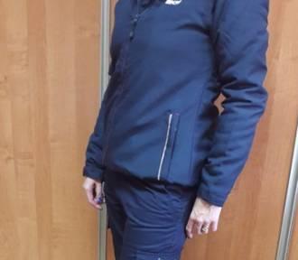 Nowe uniformy dla kontrolerów SKM. Granatowe polary, kurtki i kamizelki z logo SKM