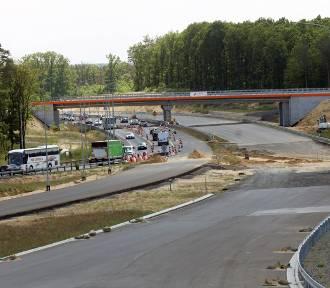 Trwa budowa ostatniego odcinka drogi ekspresowej S3 [ZDJĘCIA]