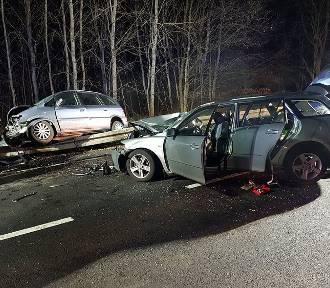 Groźny wypadek koło Wierzbna. Pięć osób rannych [ZDJĘCIA]
