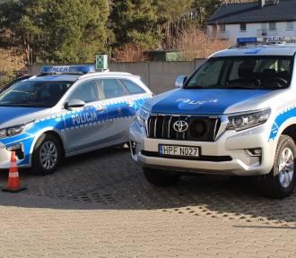 Terenowa toyota, motorówka i nowa kia dla poddębickich policjantów