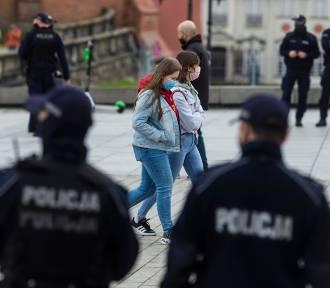 Czerwone strefy w Śląskiem? Tam ryzyko wprowadzenia obostrzeń jest największe