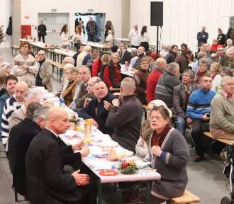 700 osób na wieczerzy wigilijnej w hali Expo