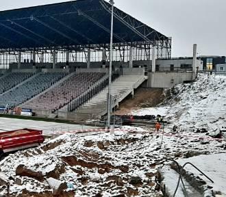 Stadion: Portowcy trenują w... balonie, rozbiórka trybunki VIP. ZDJĘCIA