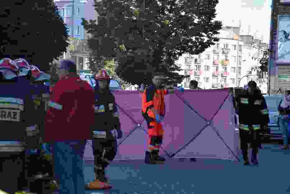 Wypadek w Kaliszu. Kobieta zginęła pod kołami na chodniku