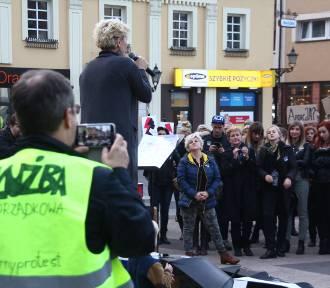 Czarny protest w Rybniku - do miasta przyjechały panie z regionu