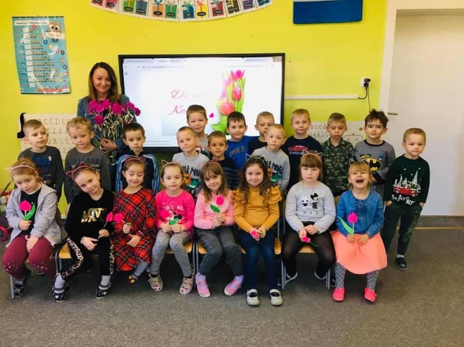 Dzień Kobiet w przedszkolu Stefanowo