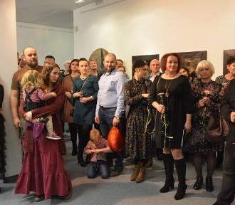 39 artystów prezentuje swe prace w Galerii Sztuki MOK w Dębicy