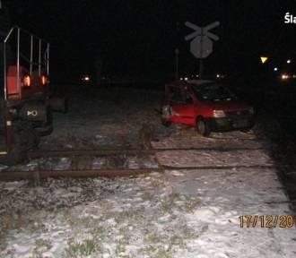 Bieruń: Wjechała samochodem wprost pod lokomotywę [ZDJĘCIA]