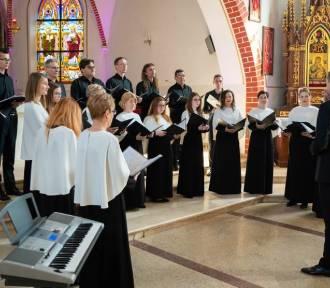 400 chórzystów zaśpiewało podczas XIII Pomorskiego Festiwalu Pieśni Wielkopostnej w Szemudzie