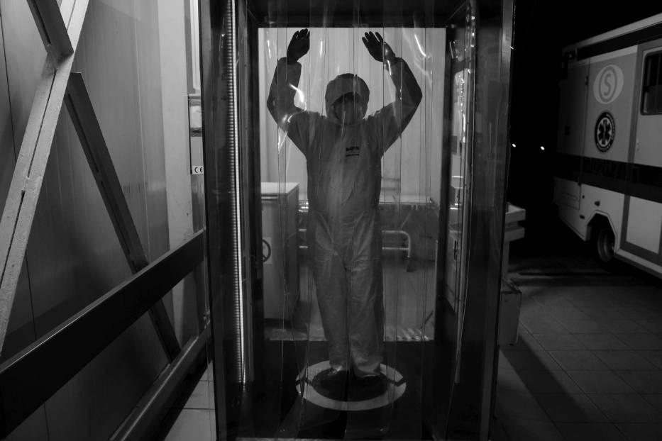 Tak wygląda walka z epidemią koronawirusa z perspektywy członka personelu medycznego jednoimiennego szpitala zakaźnego w Poznaniu