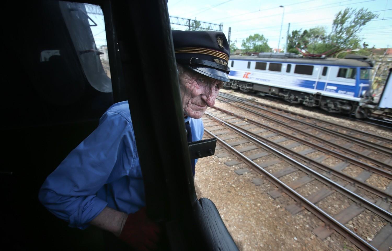 Wbrew pozorom praca w PKP i innych przewoźnikach kolejowych w Polsce wcale nie cieszy się wielkim zainteresowaniem