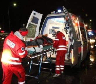 Auto osobowe zderzyło się z ciężarówką w Młodoszowicach w powiecie brzeskim